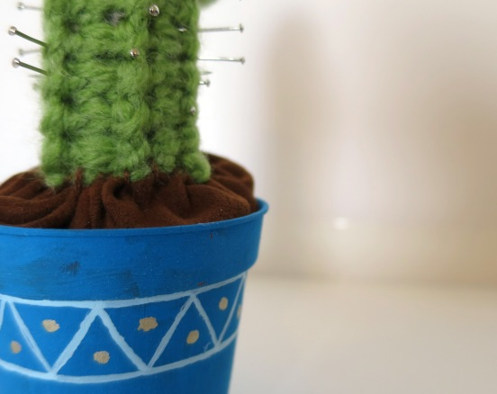 crochet cactus pin cushion (5)