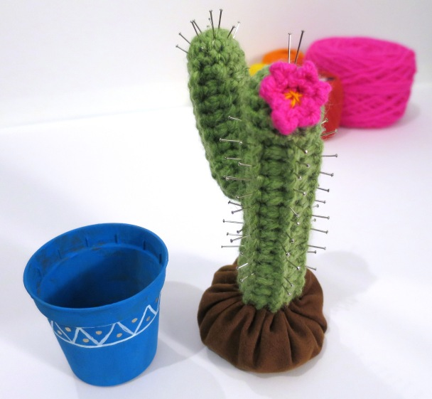crochet cactus pin cushion (57)