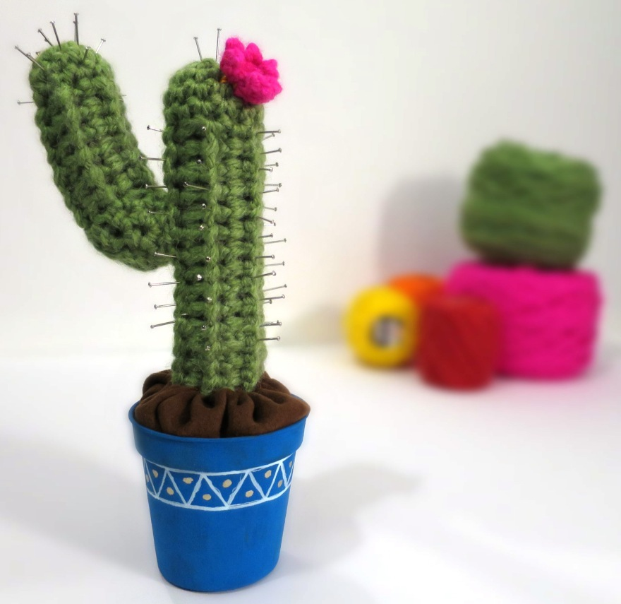 crochet cactus pin cushion (62)