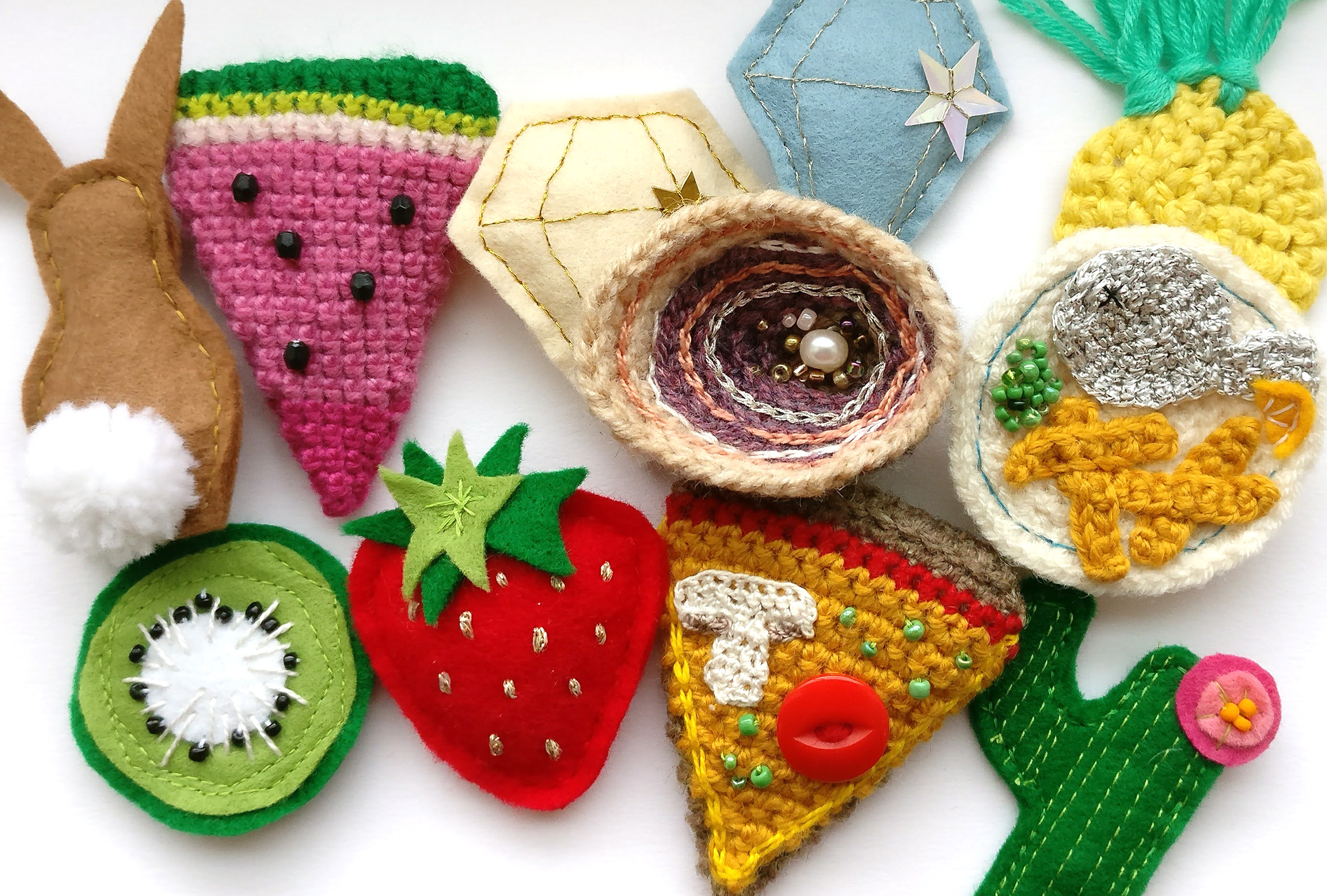 crochet brooches (2)