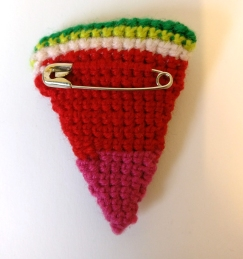 watermelon-crochet-brooch-5